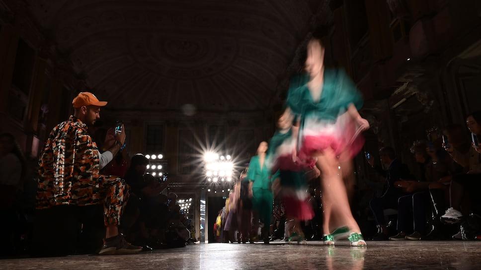 Без долгосрочного планирования  / Ожидания организаторов игостей начавшейся вМилане Недели моды