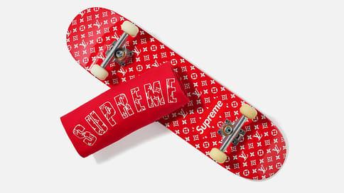 Весь Supreme  / Christie's выставили нааукцион самую крупную коллекцию футболок слоготипом Supreme