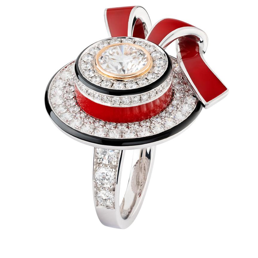 Chanel High Jewelry, кольцо Ruban Canotier, белое и розовое золото, лак, бриллианты