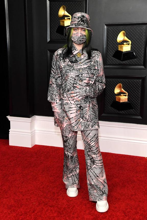 Певица Билли Айлиш вкостюме Gucci