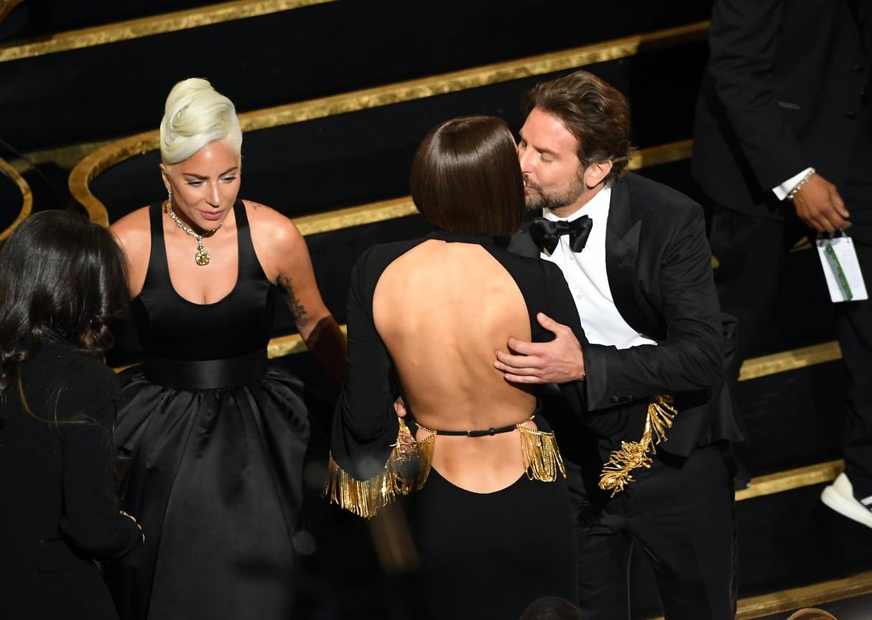 Леди Гага, Ирина Шейк и Бредли Купер во время 91-й ежегодной премии «Оскар», 2019 год