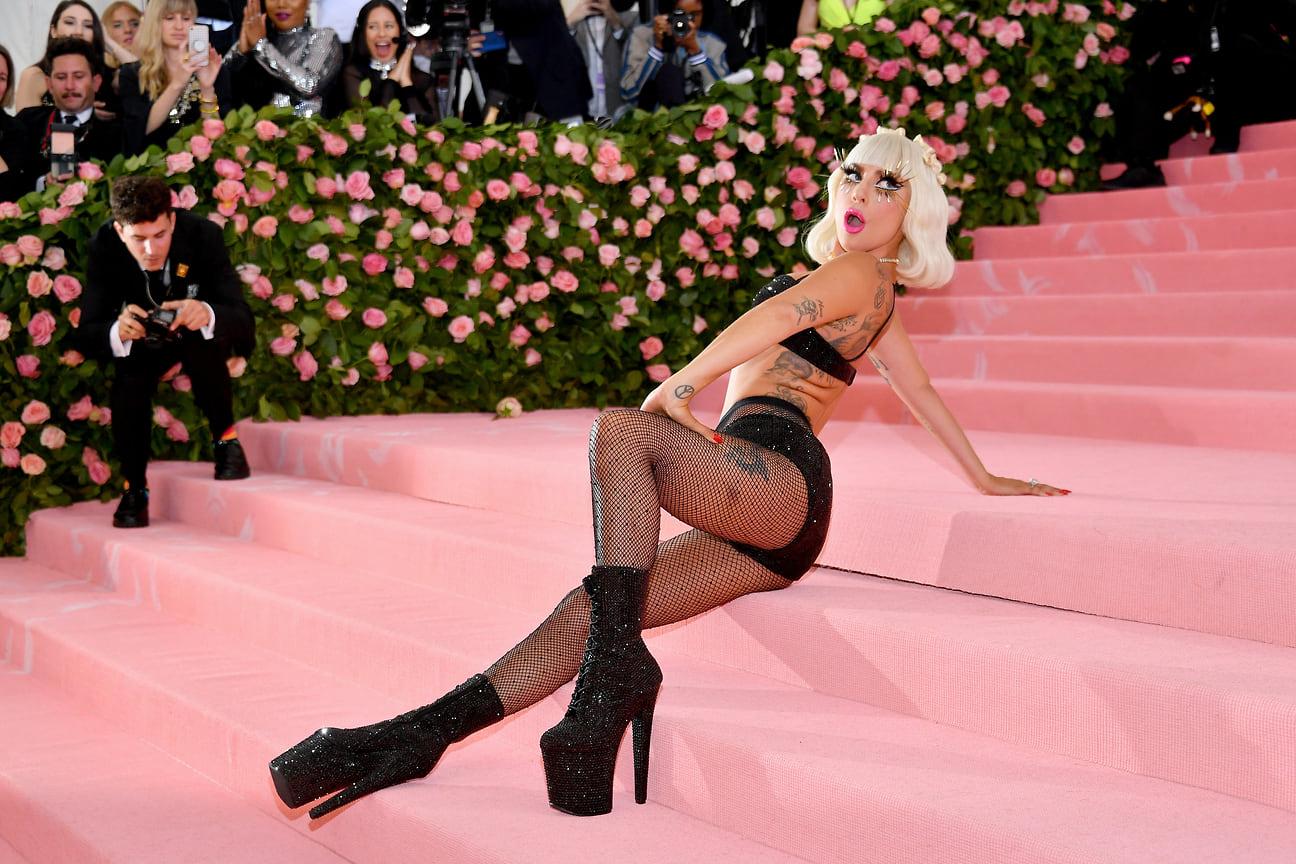 Леди Гага на бале Института костюма Met Gala в музее «Метрополитен», Нью-Йорк, 2019 год