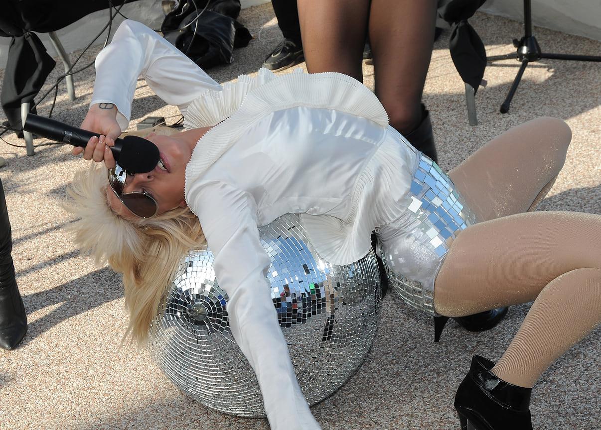 Леди Гага выступает на Open A.I.R. Series, 2008 год