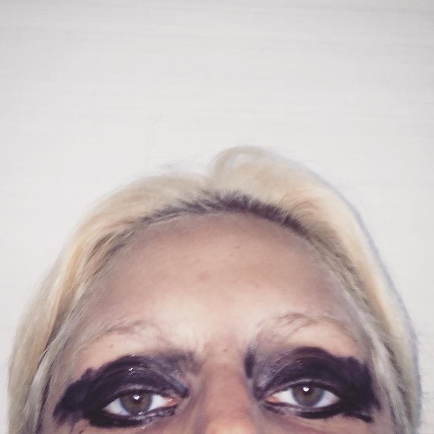 Фото из официального Instagram Леди Гаги с подписью undefined (неопределенный), 2011 год