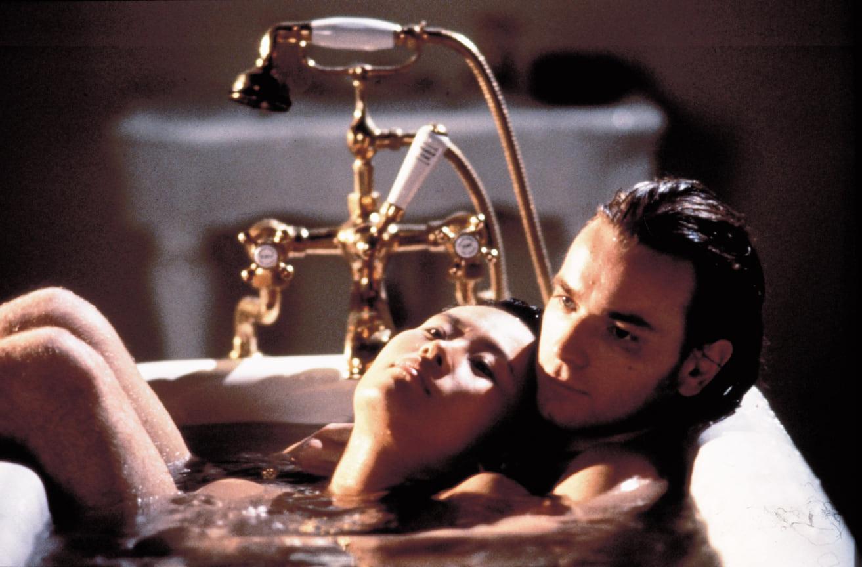 Скитайской актрисой Вивиан Вувфильме «Интимный дневник» режиссера Питера Гринуэя, 1997 год