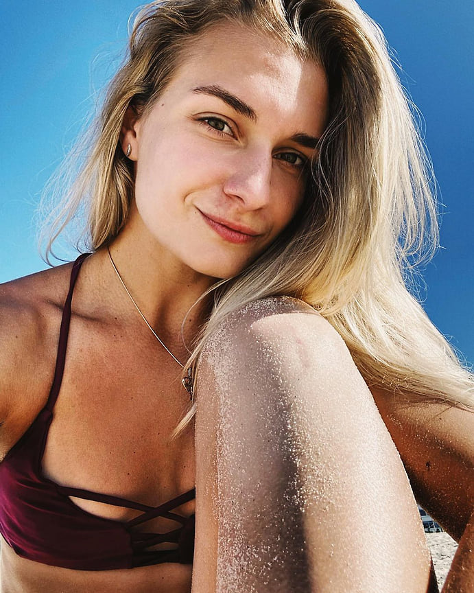 <b>Светлана Холомина, Россия, пляжный волейбол </b><br>Светлана родом из Обнинска (Калужская область). Является бронзовым призером чемпионата Европы 2020 года