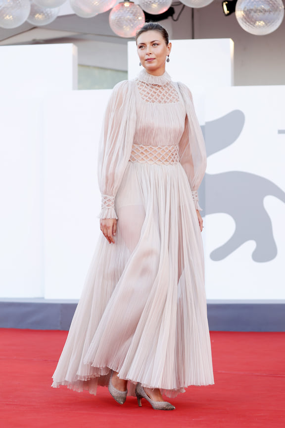Мария Шарапова тоже посетила Венецианский кинофестиваль – в платье Dior