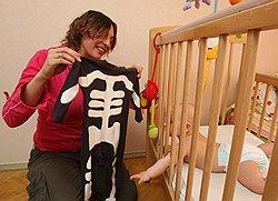 Ниша для бизнесмена с младенцем