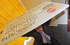 Вице-президент ТКС-банка Олег Анисимов пишет в своем отчете, что пост о блоге банка на его личном ресурсе в ЖЖ принес этому блогу более 300 френдов. Всего получилось 582 френда. Не очень большой прирост с оглядкой на аудиторию личных блогов Олега Тинькова и Олега Анисимова — 3721 и 17 266 френдов соответственно