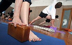 Продажа специализированных товаров становится хорошим подспорьем для центров йоги