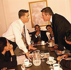 Во время враждебного поглощения линия фронта проходит через стол переговоров