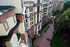 Многоквартирные дома на Рублево-Успенском шоссе и сейчас по цене не отличаются от московских