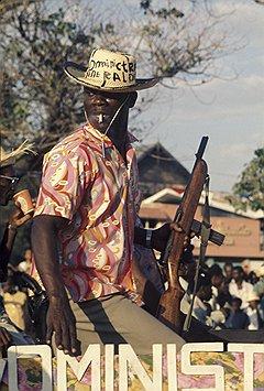 Тонтон-макуты с оружием в руках помогали своему руководству навсегда забыть о том, что такое гаитянская бедность