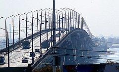 Строители объясняют, что средний километр российской дороги обходится так дорого, потому что искусственных сооружений так много