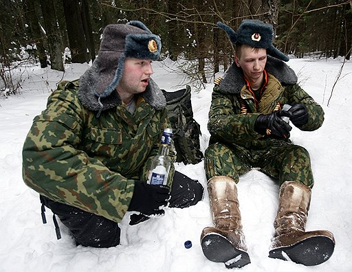 Водка — лучшее средство для снятия стресса, убеждены игроки алкогольного рынка