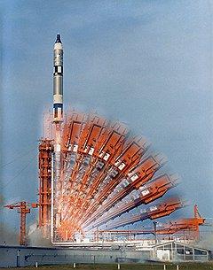 Все астронавты летали на одинаковых ракетах, но их карьеры взлетели на разную высоту