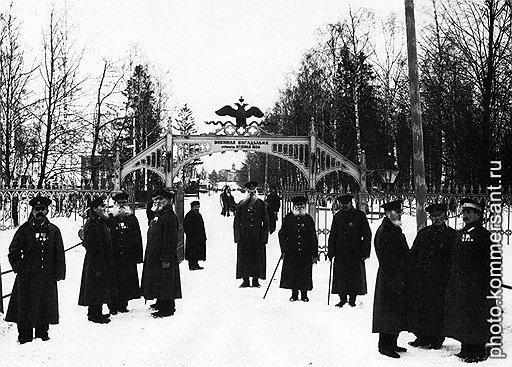 Заслуженные старики не оказались на улице лишь потому, что петербургское купечество возместило все украденное чиновничеством у богадельни