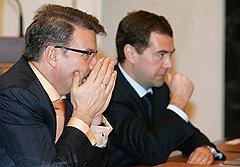 Идея Дмитрия Медведева и Германа Грефа перенести деловой и административный центр за пределы столицы, поближе к загородным домам чиновников и международным аэропортам, может обогатить многих