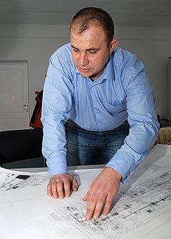 Главный инженер Исаевского машиностроительного завода Андрей Писаренко уверен, что ему удастся построить сверхсовременное предприятие