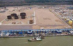 Угроза обрушения трубопроводной эстакады для перевалки нефти чревата экологической аварией в Финском заливе