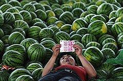 """В ожидании своего """"потерянного десятилетия"""" китайцы могут наслаждаться плодами бурного экономического роста"""