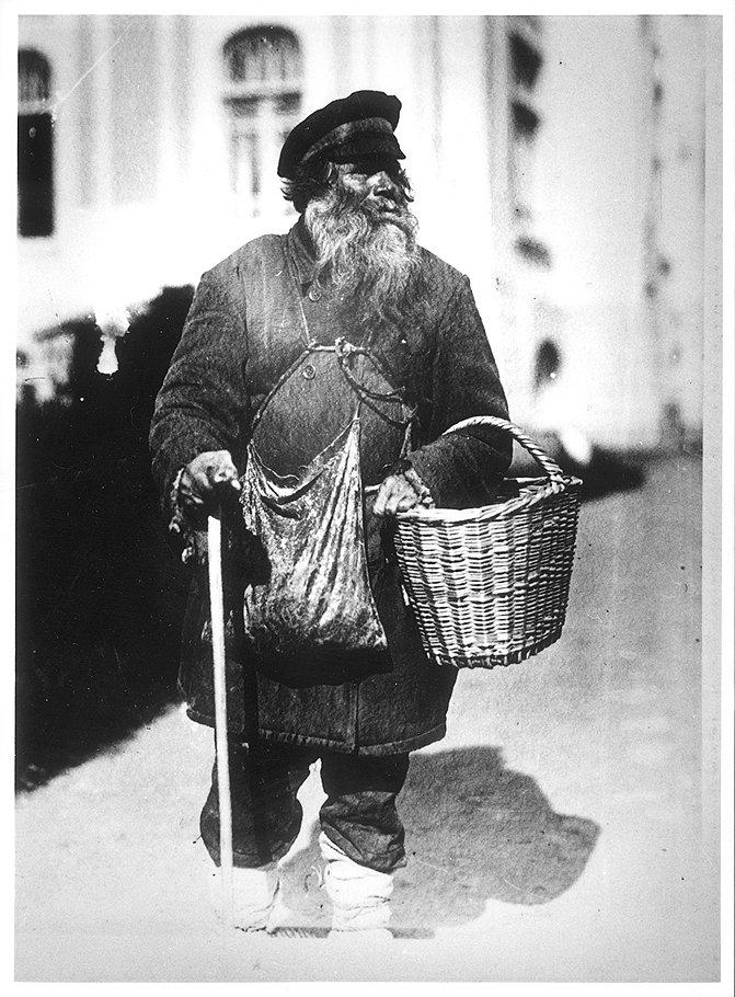 """По данным этнографов, нищие и гулящие люди чаще и легче всего попадали в число жертв """"моления"""""""