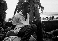 Патрис Лумумба надеялся улучшить жизнь конголезцев, но быстро обнаружил, что у него связаны руки