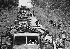 Наемники использовали джипы, чтобы захватывать города, и грузовики, чтобы вывозить награбленное