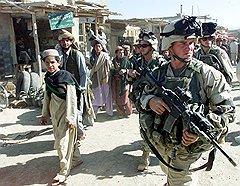 На восточных базарах военнослужащие США могут купить все то, что у них украли снабженцы