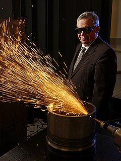 Владелец IPG Photonics 73-летний Валентин Гапонцев доволен тем, что во всем мире его компанию воспринимают как русскую, и не случайно 70% его сотрудников — русские эмигранты