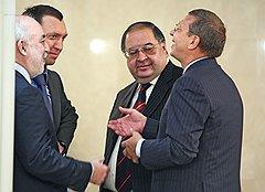 Умение избегать конфликтов отличает Владимира Евтушенкова от многих представителей крупного российского бизнеса