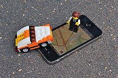 """Уже можно скачать """"парковочные"""" приложения для iOS и Android, а возможность одним кликом оплатить пилотную парковку на Петровке и в Каретном Ряду появится к 1 ноября"""