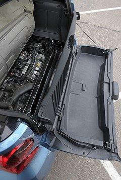 На мотор Smart можно посмотреть снизу или разобрав обшивку багажника