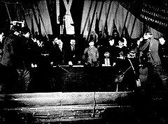 Самым быстрым путем к славе и достатку для кинематографистов была удачная съемка Сталина. Столь же быстро все заканчивалось, если съемка вождю не нравилась