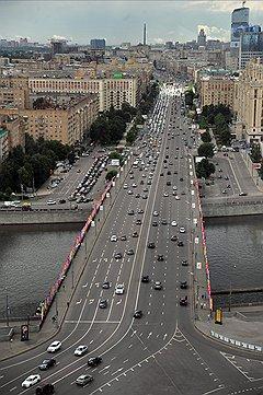 Жители Кутузовского проспекта борются против его реконструкции, даже зная, как трудно остановить запущенный процесс