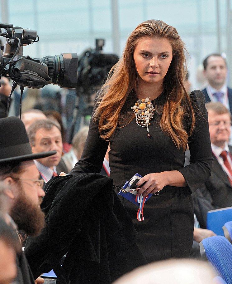Публикацию в собственной газете статьи о якобы готовящейся свадьбе Путина и Кабаевой Лебедев объяснил происками Лужкова