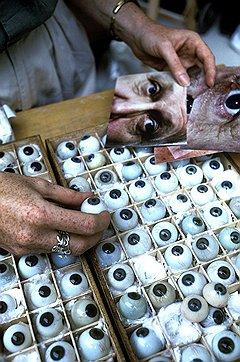 Искусственные глаза уже в состоянии отличить белое от черного, но пока еще сильно уступают настоящим