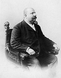 Лоренц Швайтц четко исполнял приговоры с помощью навыков, приобретенных на скотобойне