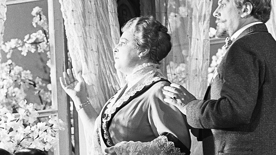 Сад, подобный тому, с которым не хотели расставаться Любовь Раневская и ее брат Леонид Гаев, в чеховские времена приносил около 200 руб. с десятины