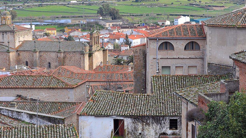 Городок Трухильо выглядит как декорация к фильму о рыцарских временах