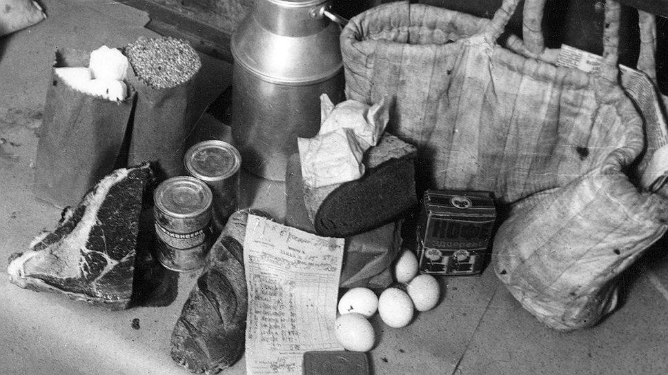 Только с помощью заборных книжек производители материальных благ могли сносно наполнить свою потребительскую корзину