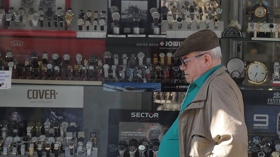 Судя по обилию часовых магазинов, швейцарцы большую часть времени проводят за его измерением