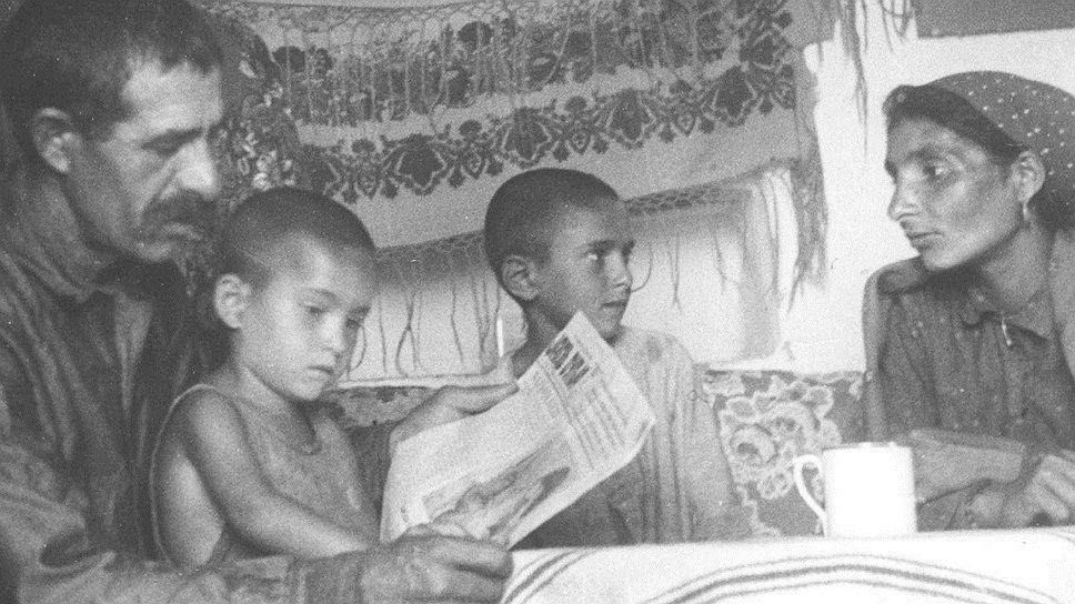 После громкого разоблачения банды Шаркози МВД СССР предлагало тихо свезти всех советских цыган в отдельно взятый район страны, чтобы приучить к оседлому образу жизни