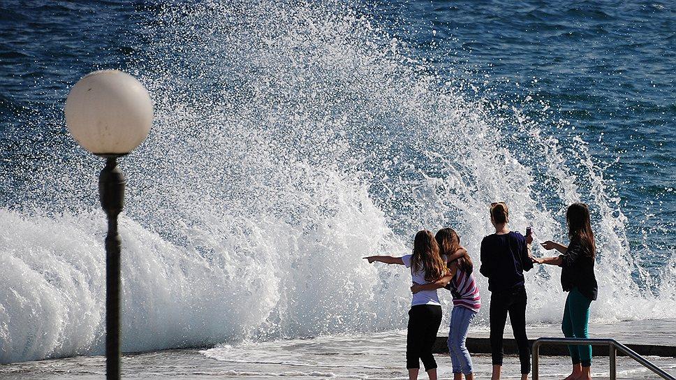 Солнце, море, ветер регулярно заряжают людей энергией