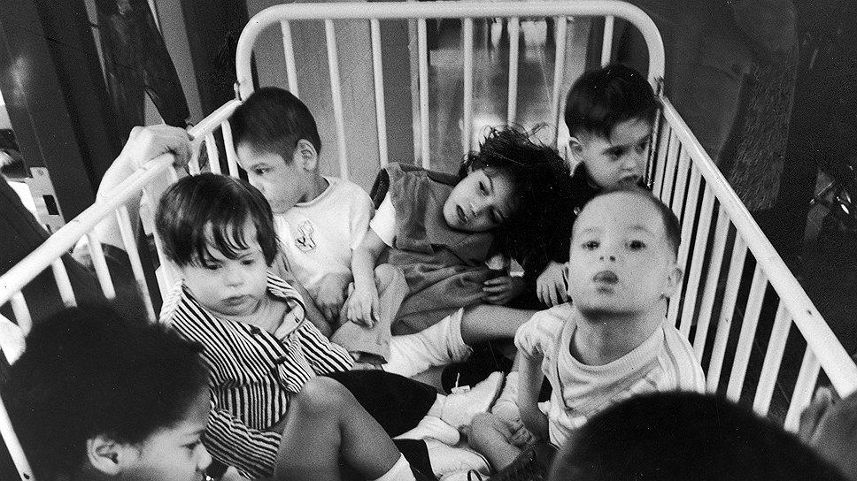 В сиротских приютах дети начинали служить науке раньше, чем читать и писать