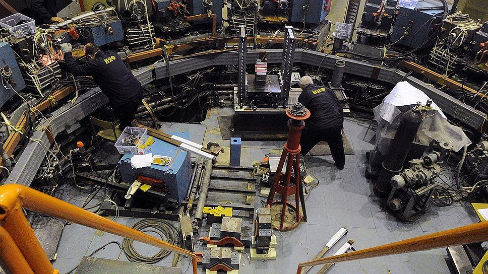 На ускорителях в Институте ядерной физики им. Г. И. Будкера научились получать не только рекордную энергию пучков частиц, но и живые деньги
