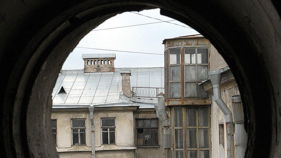 Прорыв трубы или любая другая проблема в эксплуатации жилья в России часто становится причиной неразрешимого конфликта съемщика с арендодателем