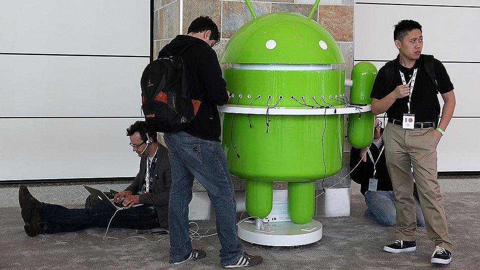 Благодаря открытой платформе Android производить смартфоны смогли десятки компаний