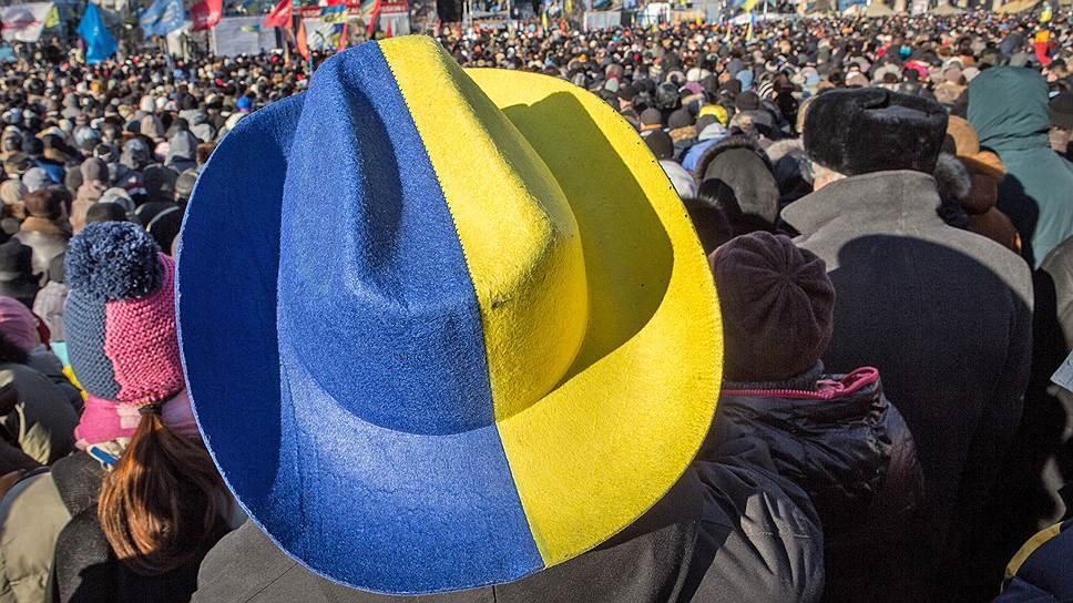Каких трех человек не хватает Украине
