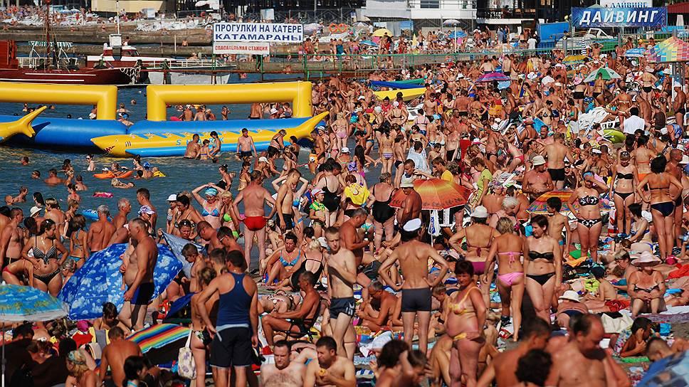 В этом году власти подогреют желание россиян позагорать на крымских пляжах